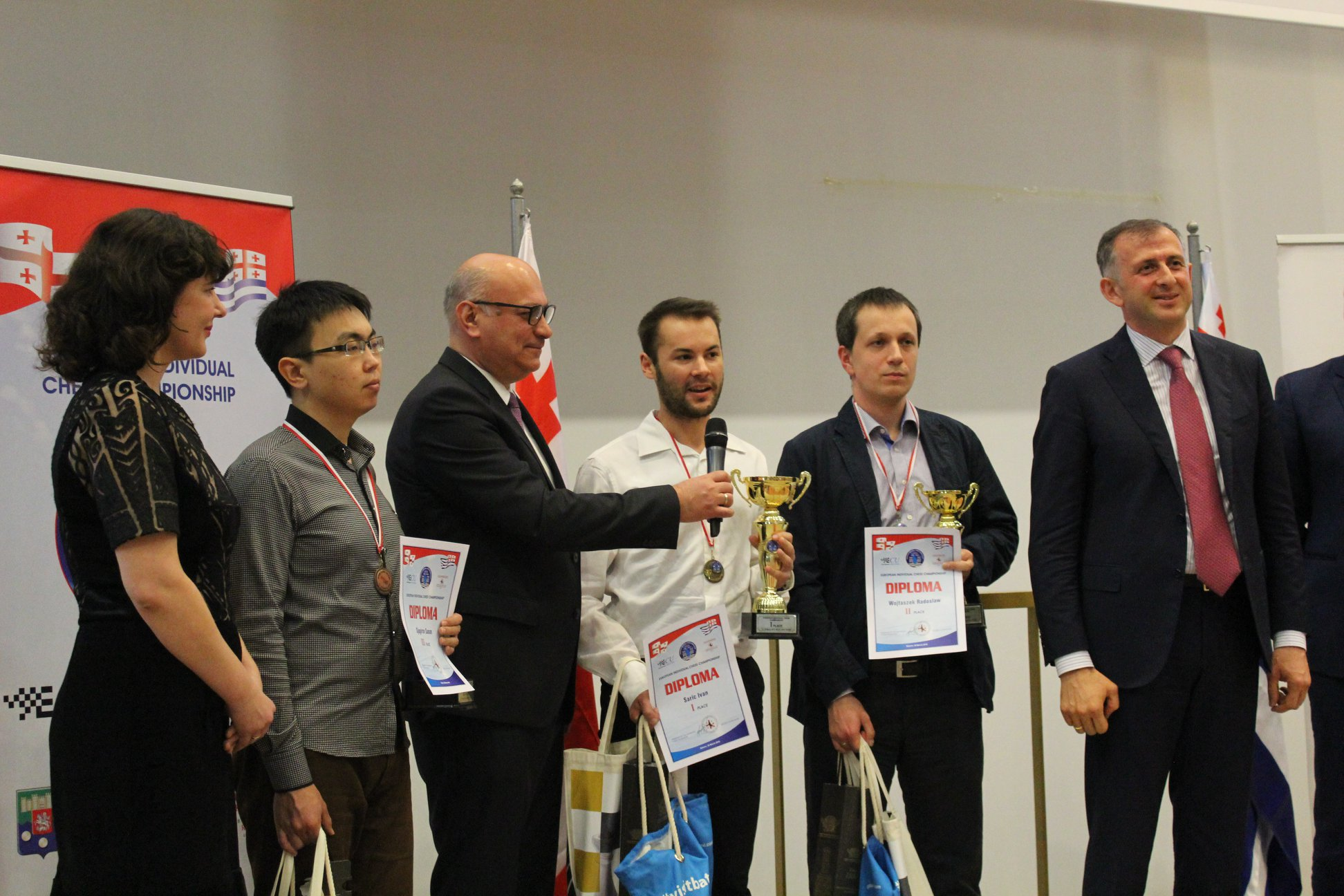 Ivan Saric talking during Closing Ceremony at the European Chess Championship