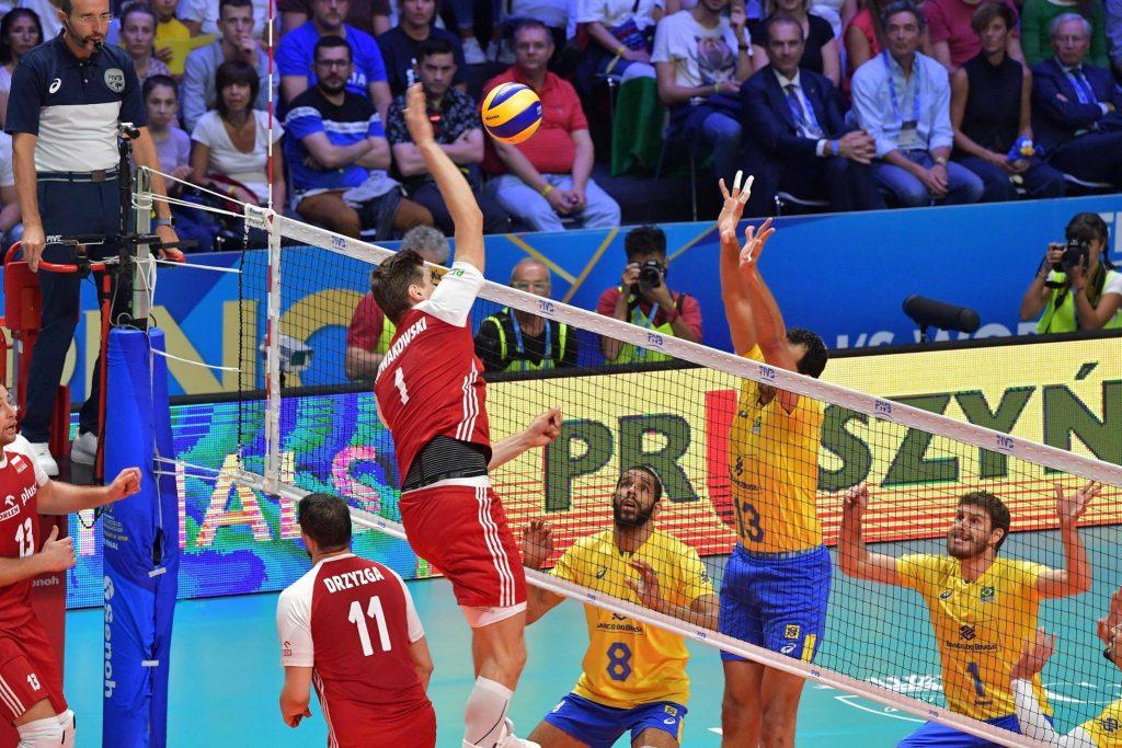 Piotr Nowakoswski smashing the ball - FIVB Men's World Championship