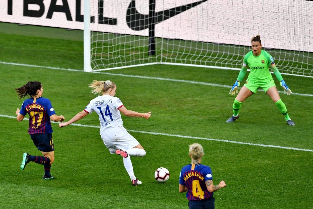 Hegerberg shooting during the UCL final
